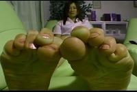【足裏ふぇち】宮下萌(21)足のサイズ24.5cm★お手入れしても臭っちゃう★足裏を見せる女★⑪