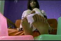 【足裏ふぇち】宮下萌(21)足のサイズ24.5cm★お手入れしても臭っちゃう★足裏を見せる女★⑫